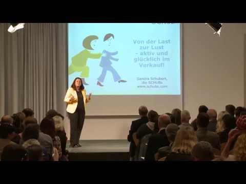 Verkaufsexpertin Sandra Schubert live auf der Bühne
